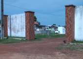 Departamento de Limpeza Urbana faz manutenção do local e reforma dos banheiros no Cemitério Municipal