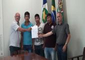 Prefeitura concede terreno para associação de beneficiamento de castanha