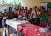 PSF Central de Juína realiza curso de confecção de guirlandas natalinas