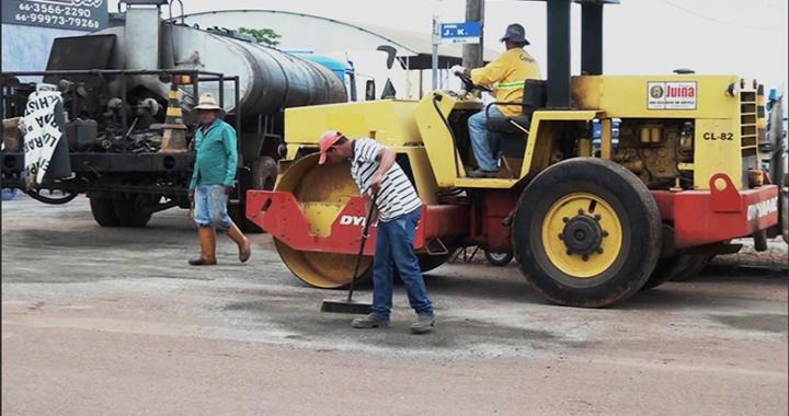 Prefeitura de Juína realiza operação tapa buracos em ruas e avenidas da cidade