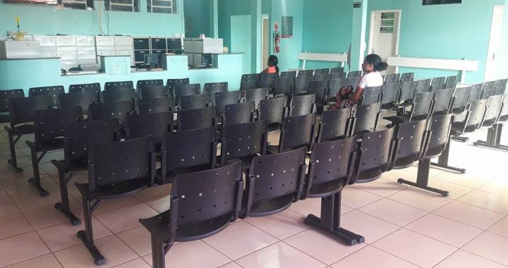Recepção do Hospital Municipal é equipada com novas cadeiras