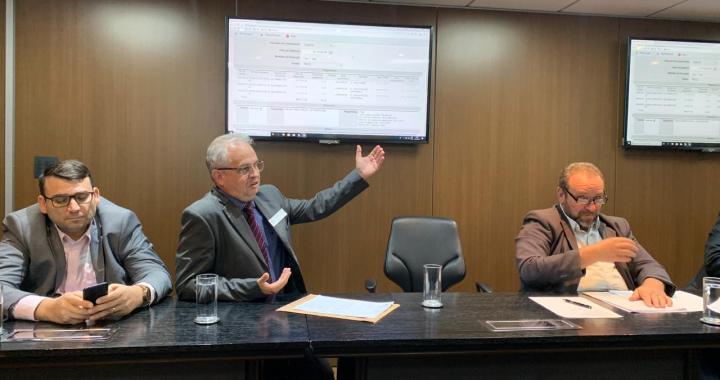 PREFEITO ALTIR PERUZZO COBRA REPASSES ATRASADOS DO MINISTÉRIO DA EDUCAÇÃO PARA CONCLUSÃO DE OBRAS