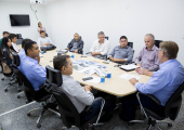 PREFEITOS DO NOROESTE PARTICIPAM DE REUNIÃO COM SECRETÁRIO DE SAÚDE DO ESTADO