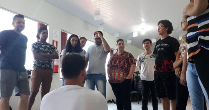 JUÍNA INICIA CURSO DE TEATRO DE DOIS ANOS PARA QUARENTA MULTIPLICADORES