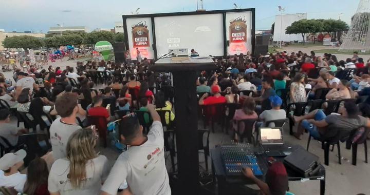 CINE JUÍNA GANHA NOVO FORMATO E ENCANTA POPULAÇÃO