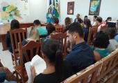 PROFISSIONAIS DE SAÚDE SE REÚNEM PARA DISSEMINAÇÃO DE INFORMAÇÕES SOBRE CORONAVÍRUS